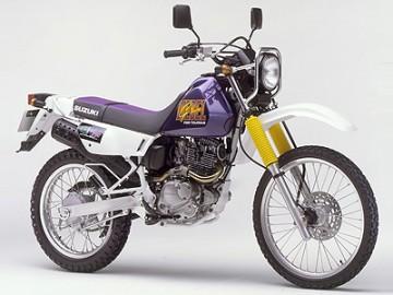 ジェベル200(SH42A)